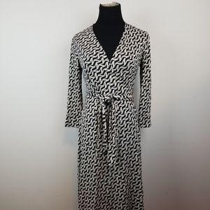 Diane Von Furstenberg silk wrap dress size 6.